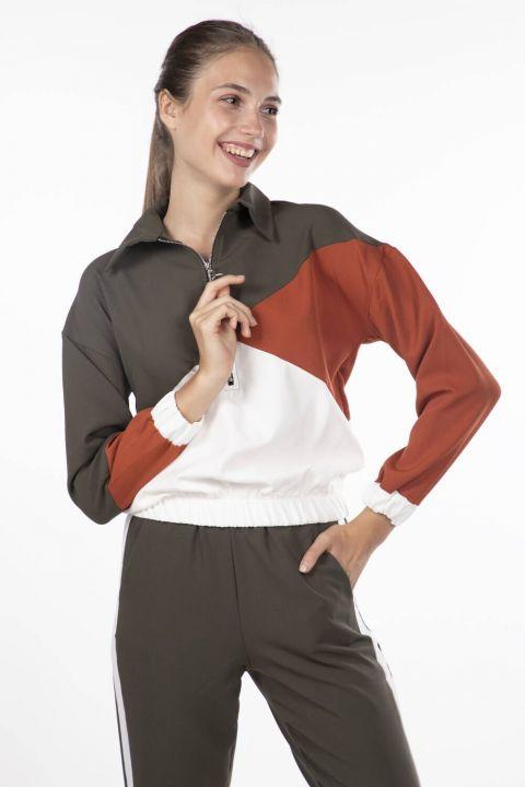 Женский эластичный спортивный костюм с геометрическим рисунком