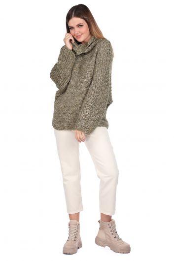 Трикотажный зеленый женский трикотажный свитер с потертым вырезом - Thumbnail