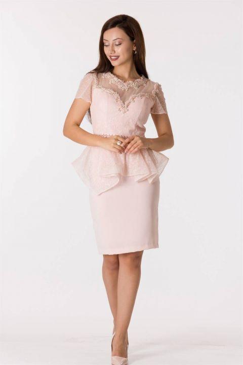 Кружевное вечернее платье с короткими рукавами и пудровым принтом