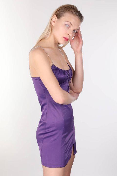Атласное фиолетовое мини-платье с блестящими камнями и ремешками для женщин
