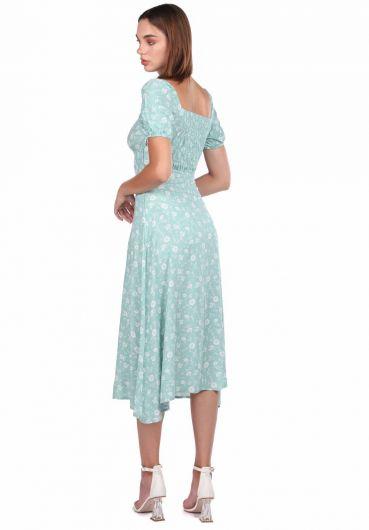 Белое платье с короткими рукавами и водно-зеленым рисунком - Thumbnail