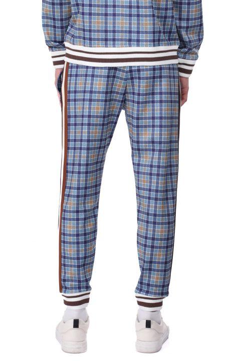 Мужские спортивные брюки в синюю клетку в полоску по бокам