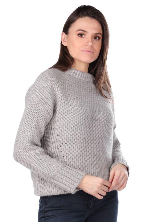 Серебряный трикотажный женский свитер