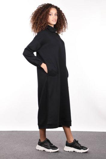 MARKAPIA WOMAN - Черное базовое женское спортивное платье с высоким воротом (1)