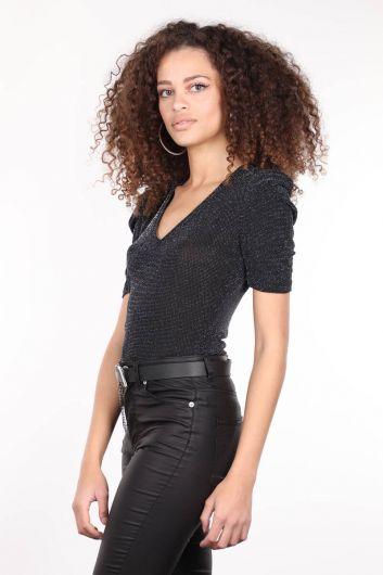 MARKAPIA WOMAN - Siyah V Yaka Simli Kadın Bluz (1)