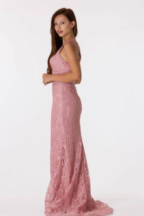 فستان سهرة مزين بالدانتيل باللون الوردي