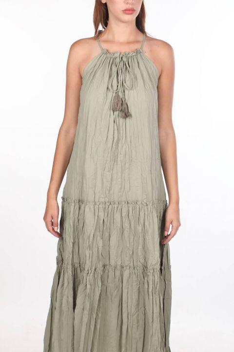 Открытое прямое платье цвета хаки без рукавов