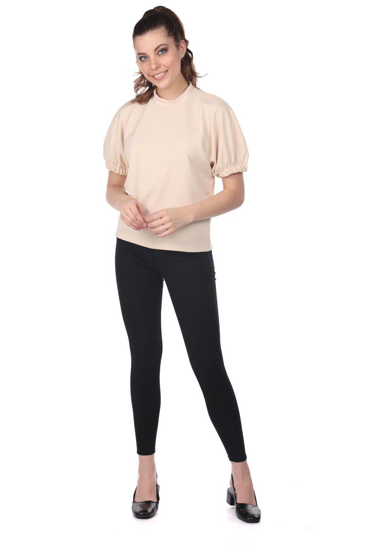Блузка с присборенными рукавами-кремовая