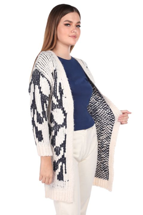 Snowflake Patterned Thick Knit Cardigan
