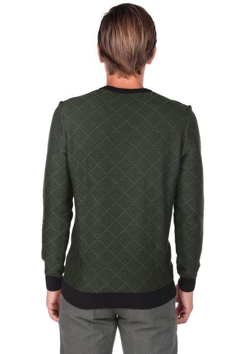 Мужской свитер с круглым вырезом и ромбовидным узором
