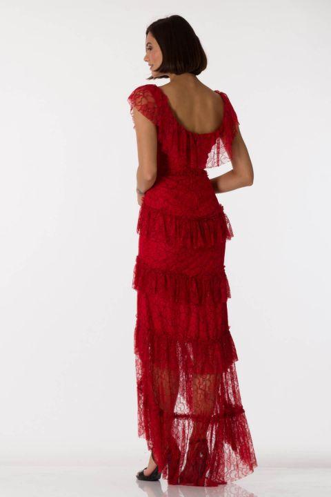 فستان سهرة أحمر برقبة على شكل V من الدانتيل