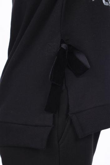 Черный женский свитшот с принтом сбоку и завязками - Thumbnail