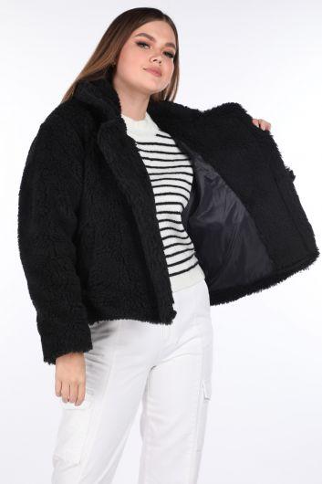 MARKAPIA WOMAN - تيدي قطيفة معطف أسود قصير للنساء (1)
