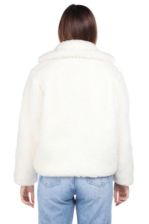 تيدي قطيفة معطف نسائي قصير أبيض اللون