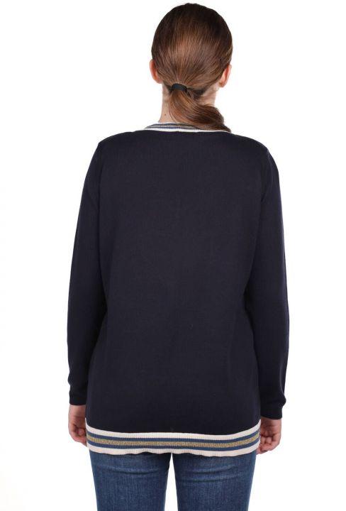 Темно-синий базовый женский трикотажный свитер с V-образным вырезом