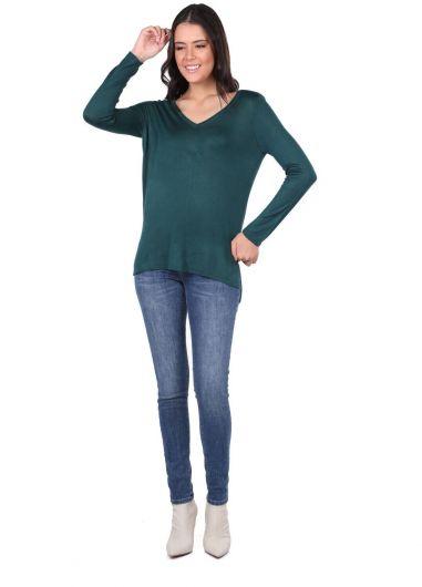 Зеленый женский тонкий вязаный свитер с v-образным вырезом - Thumbnail
