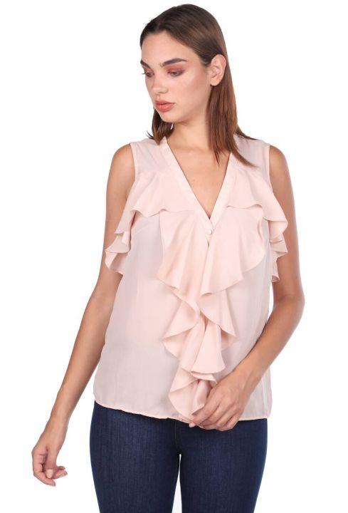 Блузка с V-образным вырезом и маховиком
