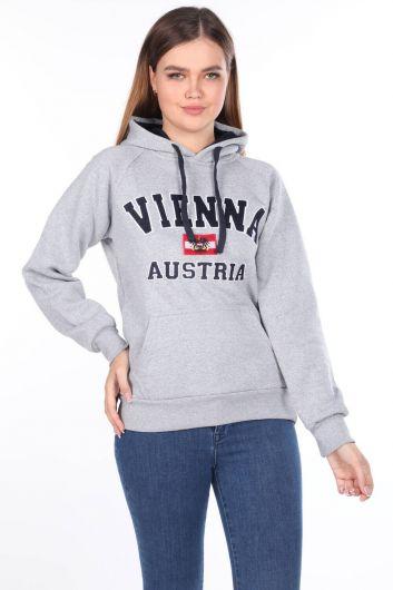 Vıenna Austrıa Aplikeli İçi Polarlı Kapüşonlu Kadın Sweatshirt - Thumbnail