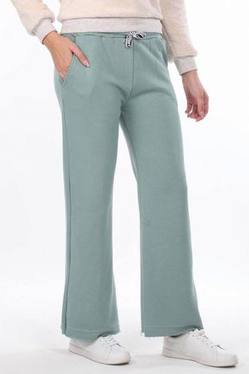 MARKAPIA WOMAN - Расклешенные зеленые женские спортивные штаны с эластичной талией (1)