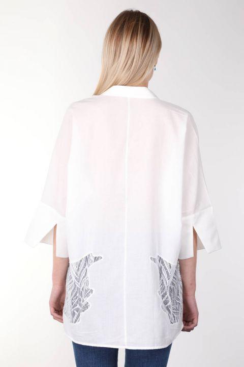 Белая женская рубашка из гипюра с рукавами «летучая мышь» с отделкой из гипюра