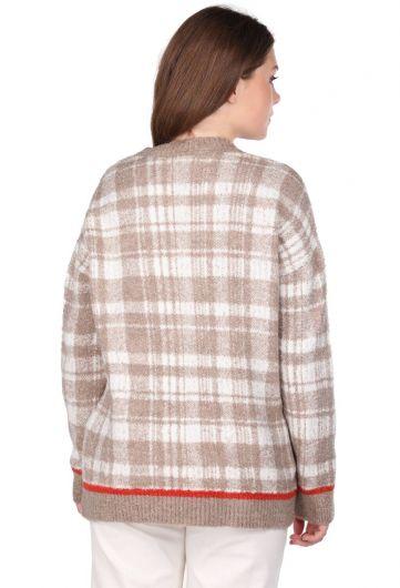 Женский бежевый свитер с V-образным вырезом в клетку - Thumbnail