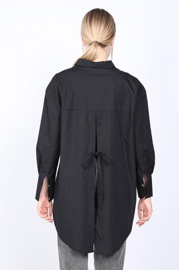 MARKAPIA WOMAN - قميص نسائي أسود ذو فتحة ظهر كبيرة الحجم (1)