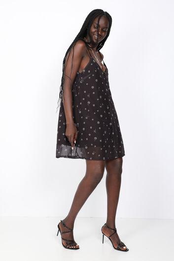 MARKAPIA WOMAN - فستان سترابي مزخرف بالزهور السوداء للمرأة (1)