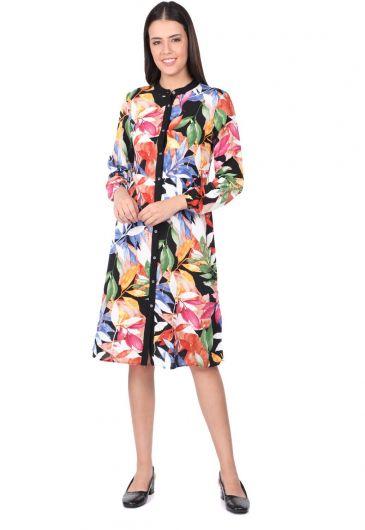 Женское черное платье-рубашка с узором в виде листьев и пуговицами - Thumbnail