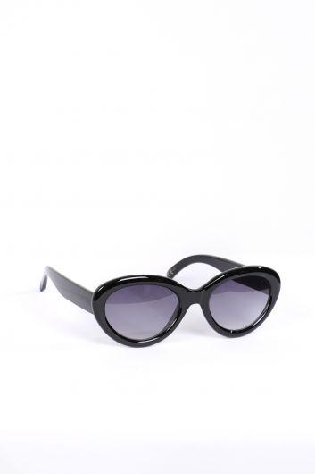 MARKAPIA WOMAN - نظارة شمسية بيضاوية سوداء للنساء (1)