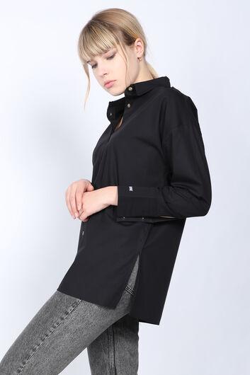 MARKAPIA WOMAN - Women's Black Slit Boyfriend Shirt (1)