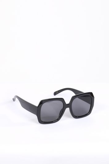 MARKAPIA WOMAN - Women's Black Thick Frame Sunglasses (1)
