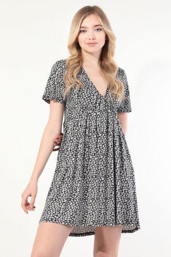 Женское черное платье с короткими рукавами и V-образным вырезом со сборками - Thumbnail