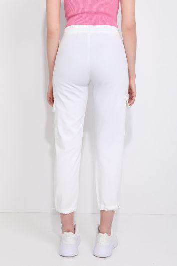 Женские брюки-джоггеры с карманом карго белые - Thumbnail