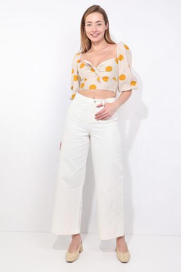 Женская кремовая укороченная блузка с воздушными рукавами в горошек - Thumbnail