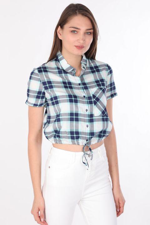قميص نسائي قصير منقوش أزرق
