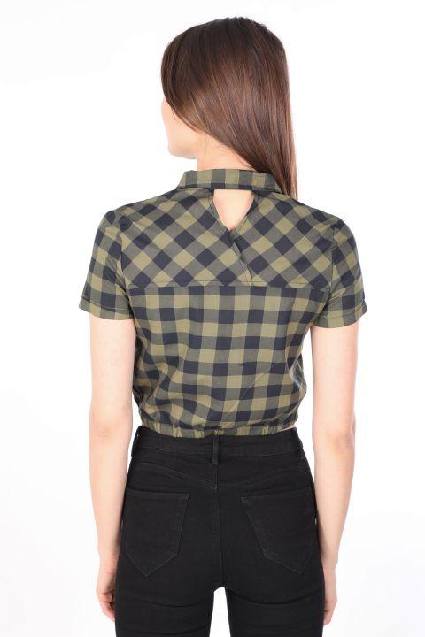 قميص نسائي قصير منقوش كاكي