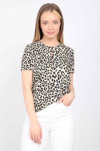 Женская футболка с леопардовым принтом и круглым вырезом - Thumbnail
