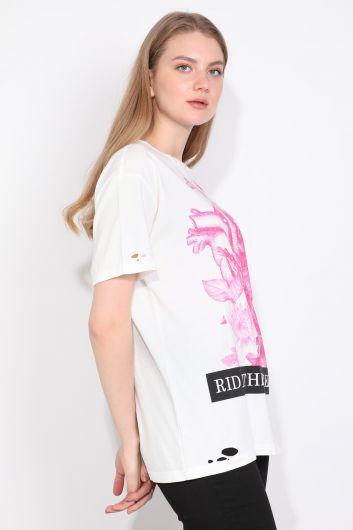 Женская футболка с рваным вырезом и детальным принтом Белый - Thumbnail
