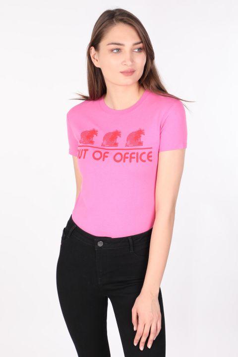 Женская футболка с круглым вырезом розовая