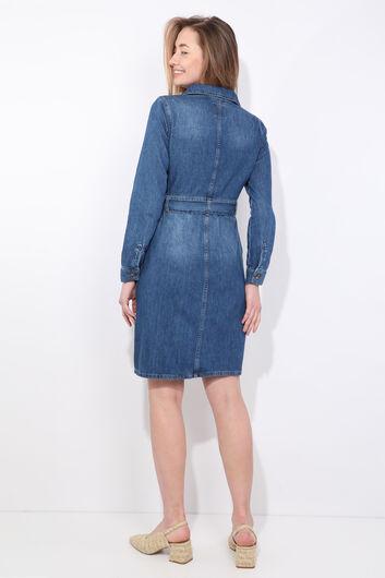 Женское джинсовое платье с длинным рукавом темно-синего цвета с поясом - Thumbnail