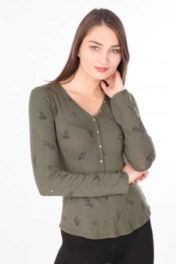 Женская базовая футболка с длинными рукавами и цветочным принтом на пуговицах, хаки - Thumbnail
