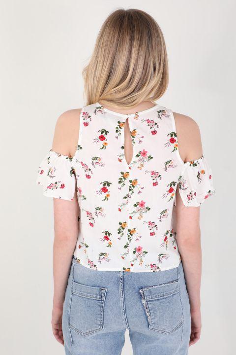 Женская блуза с цветочным принтом и оборками на бретелях