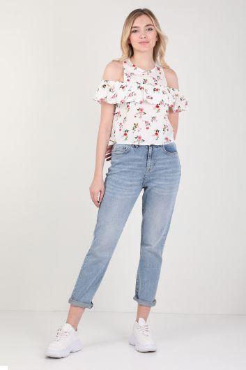 Женская блуза с цветочным принтом и оборками на бретелях - Thumbnail