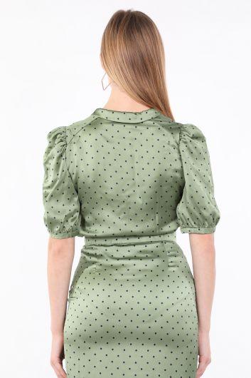 Женская зеленая рубашка с коротким рукавом в горошек - Thumbnail