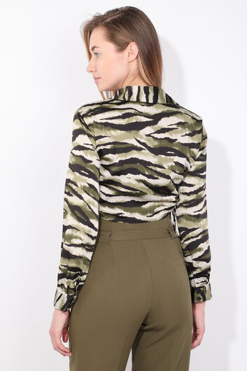 Женская укороченная рубашка с зеленым рисунком зебры - Thumbnail