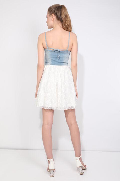 Женское джинсовое платье со шнуровкой и бретелями