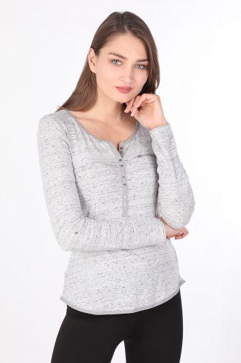 Женская базовая футболка с длинными рукавами на пуговицах серая - Thumbnail