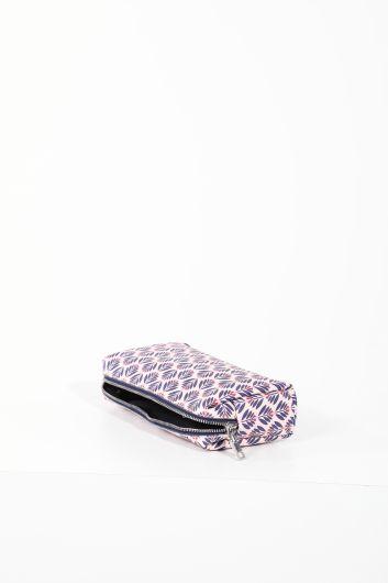 MARKAPIA WOMAN - حقيبة مكياج نسائية منقوشة ليلك (1)