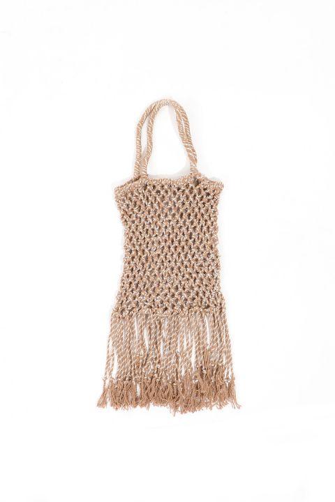 Женская плетеная сумка из норки с кисточкой
