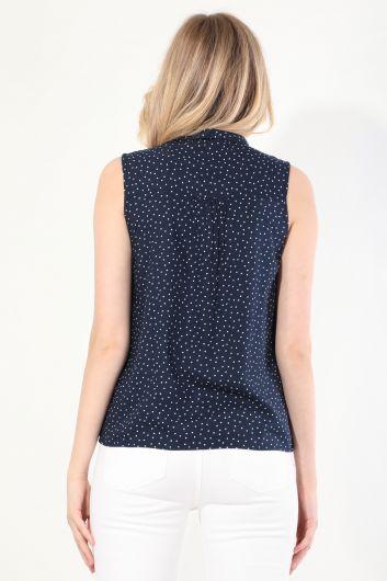 Женская рубашка без рукавов в горошек темно-синего цвета - Thumbnail